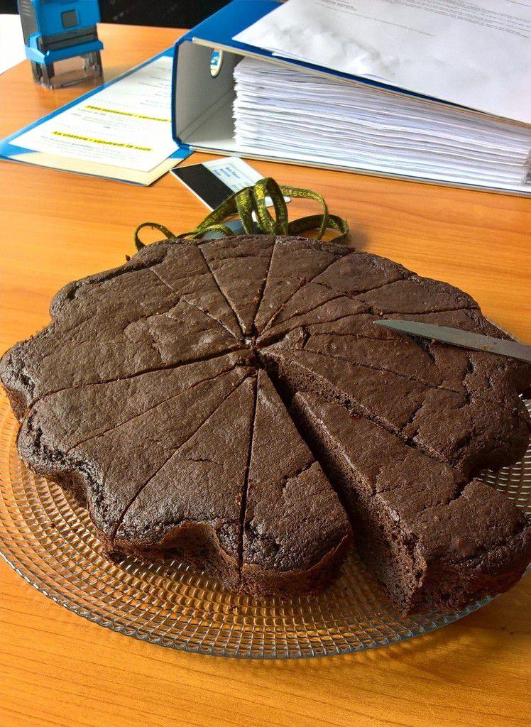 quand tu apportes du gâteau à tes collègues... résultat granti en un quart d'heure !