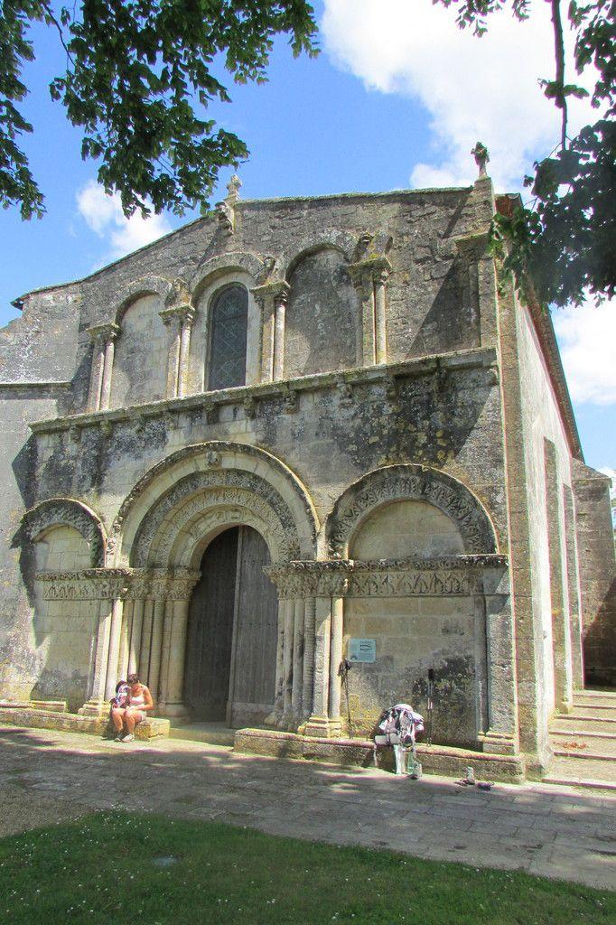 église St Martial de Douhet , dernier village avant Saintes