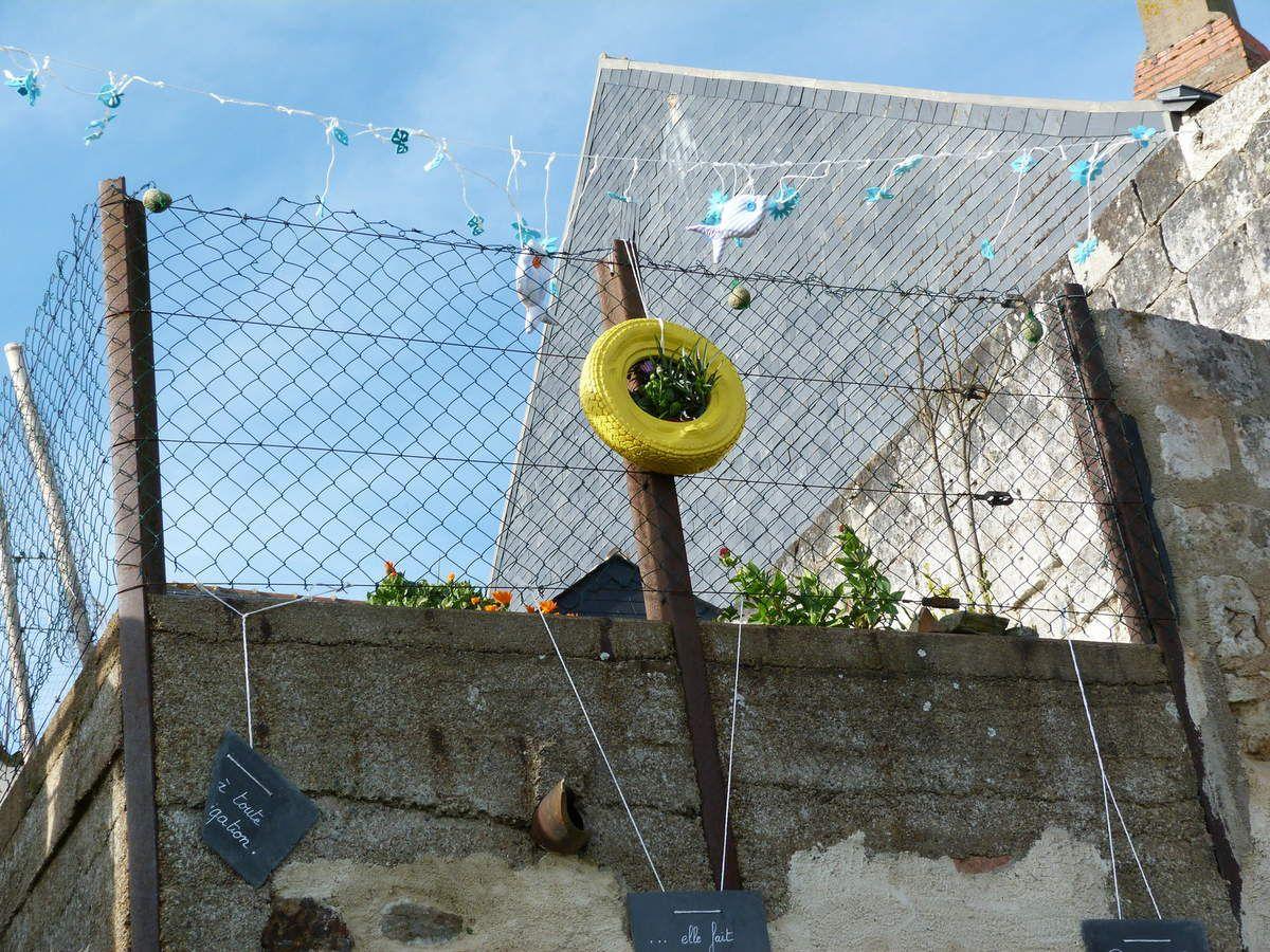 Décoration des quais d'Ingrandes - Le Fresne sur Loire, une initiative sympathique de La Brico ...