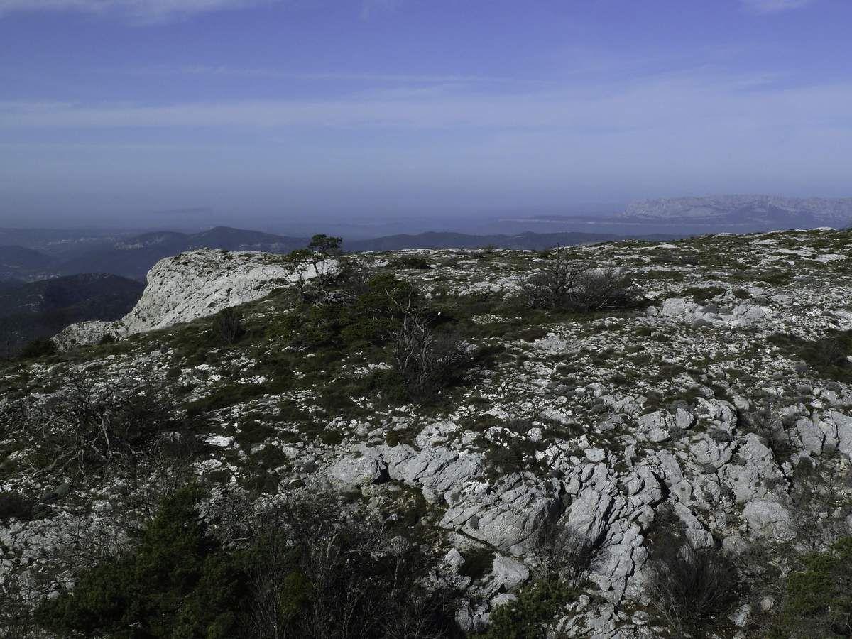 Le pas de l'Aï est franchi avec facilité et nous permet de découvrir du haut de ses 1000 m un beau panorama