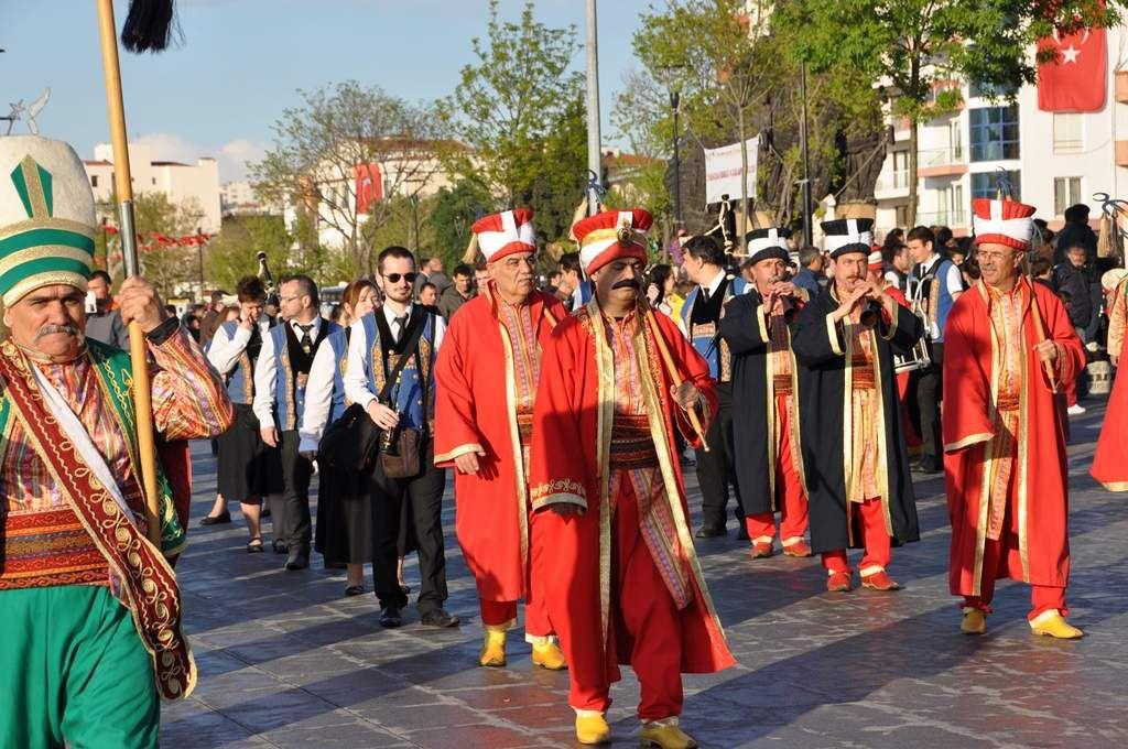 Bagad et janissaires en Turquie : toutes les photos du défilé