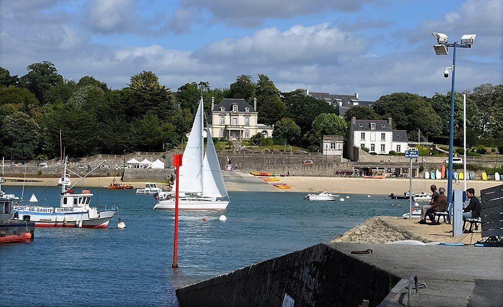 Promenade en Bretagne sur la cale de Sainte-Marine