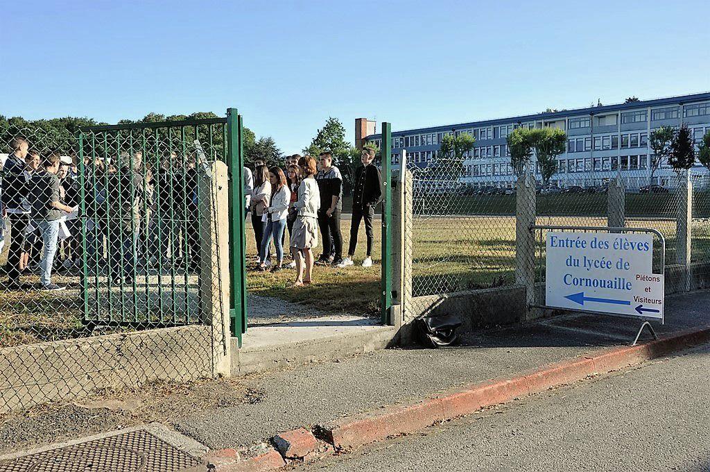 Prise de repères par les nouveaux élèves sur le campus du lycée de Cornouaille