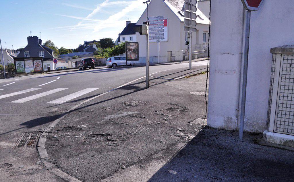 L'automobiliste s'est arrêté près de l'ancienne mairie de Penhars