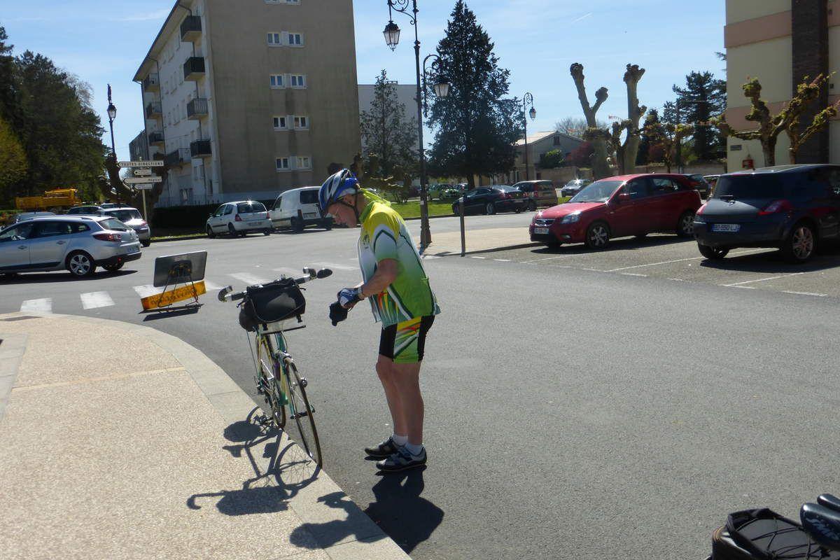 Vélo découverte ** St Triviers sur Moignans  (01) **14 avril 2015