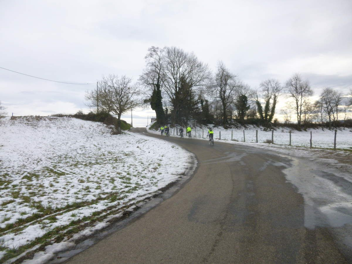 Cessieu (38)  Promeneurs  27 Janvier 2017