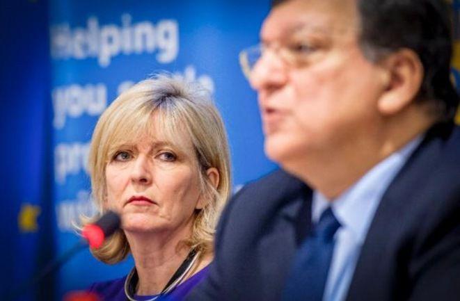 Emily O'Reilly la médiatrice de l'Union européenne, vise Juncker et l'inéffable Barroso.