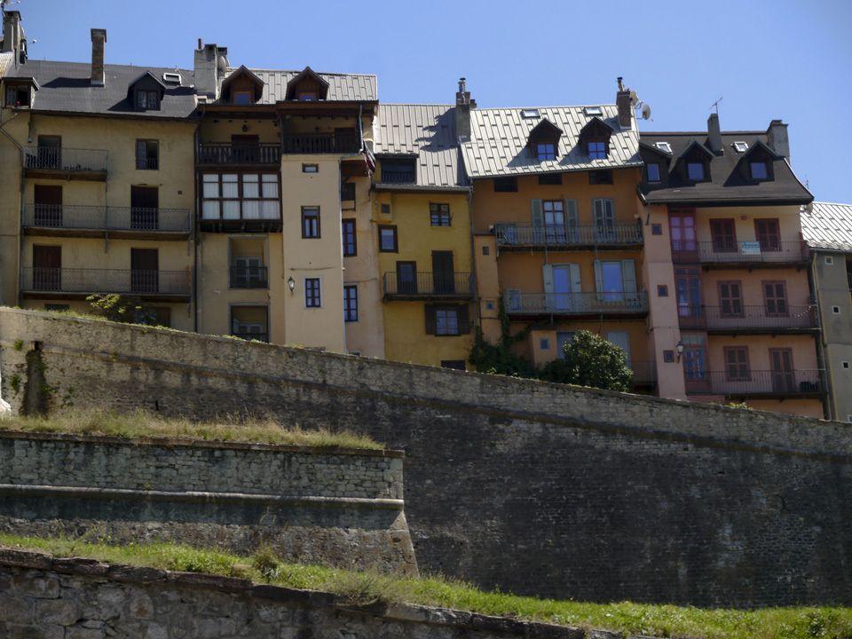 RANDONNEES DANS LE QUEYRAS, HAUTES-ALPES. EPISODE 1/4. Briançon - Malrif - Lac Egorgeou - Ville-Vieille - Bergerie de la Sommette.