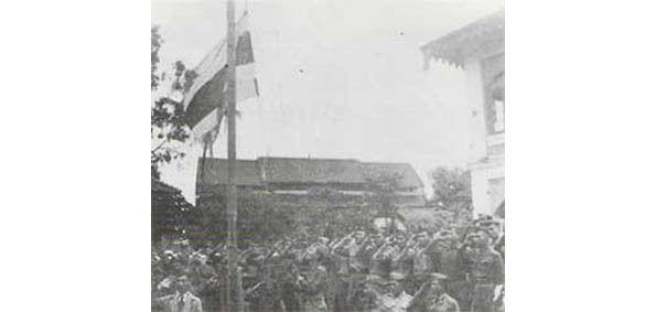 200. 2 - L'ARMÉE THAÏE ENTRE EN BIRMANIE LE 10 MAI 1942