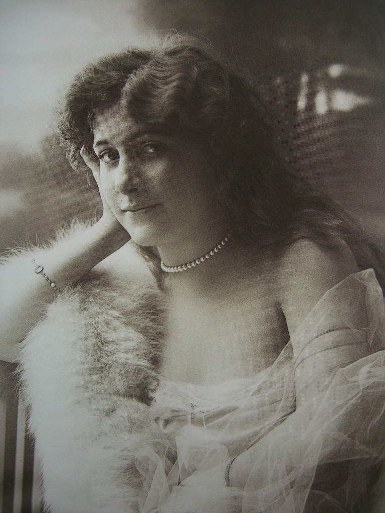 Qui se cache derrière Rachel dans l'oeuvre de Proust ?