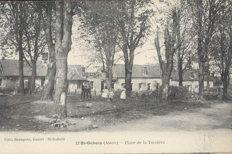 Album - le village de Saint-Gobain (Aisne), les places les rues