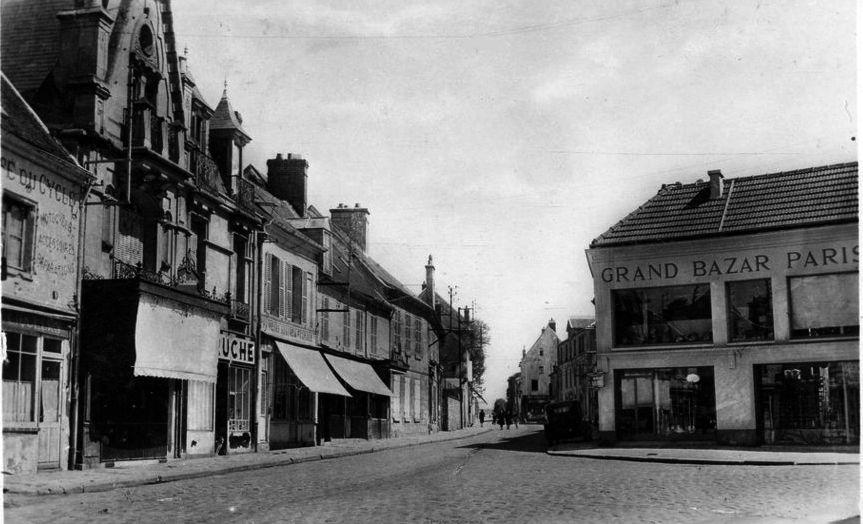 Album - la ville de Crépy-en-Valois (Oise), la gare, les places, les portes