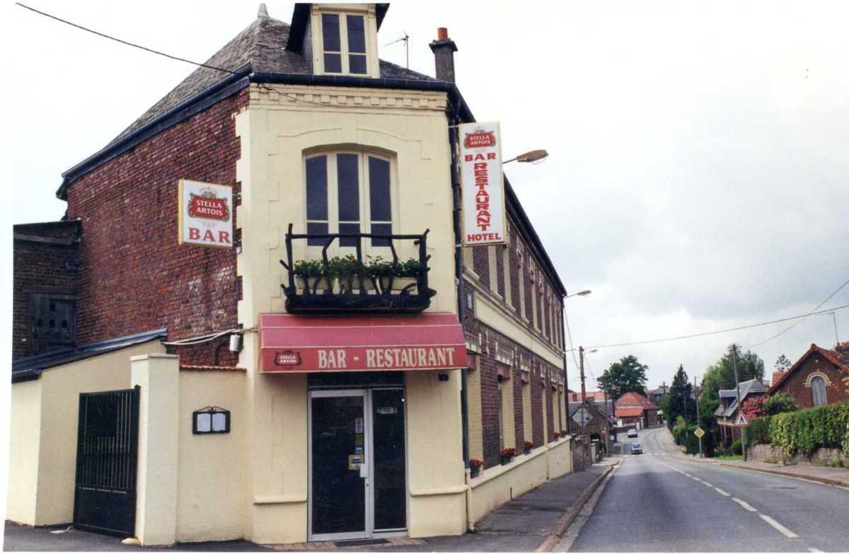 Album - le village de Lassigny (Oise), la gare, les places, les commerçes