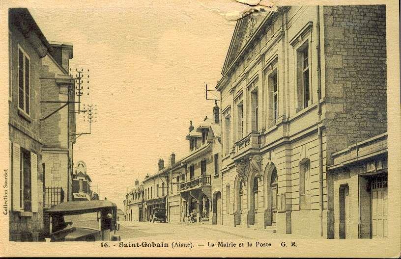 Album - le village de Saint-Gobain, la mairie, les commerces
