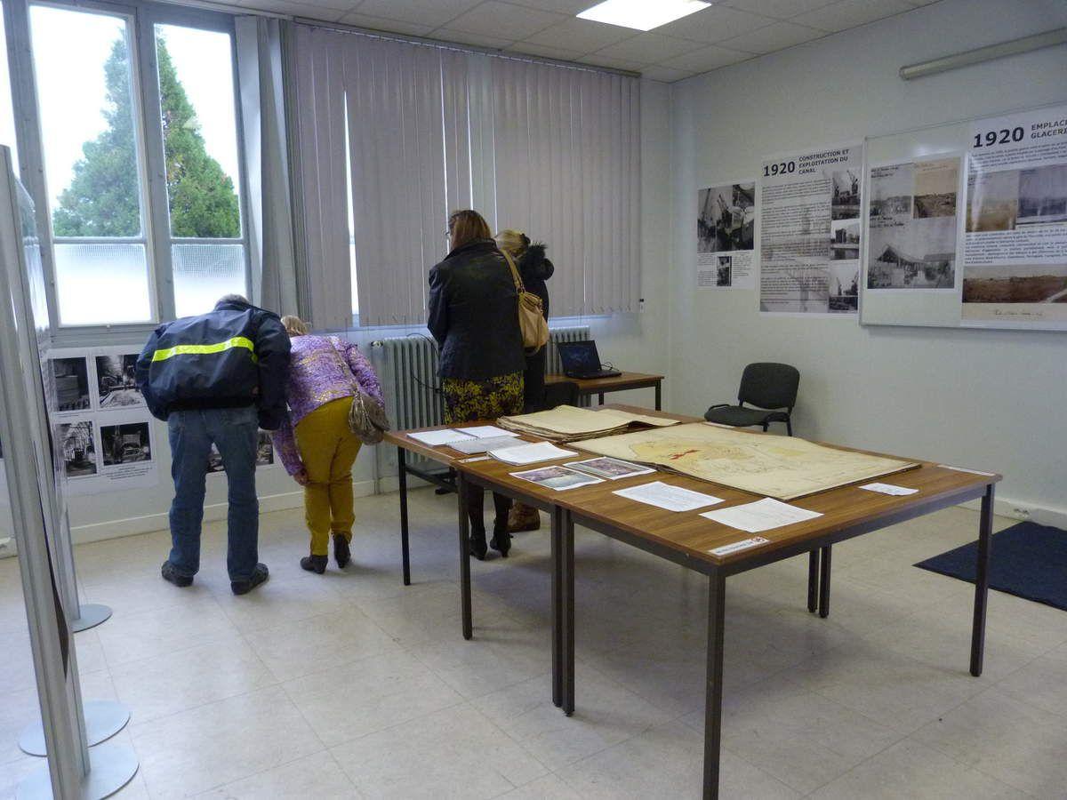 Album - 2015, Saint-Gobain, les visiteurs (03) de l'exposition de la Glacerie de Chantereine du 12 au 17 octobre 2015