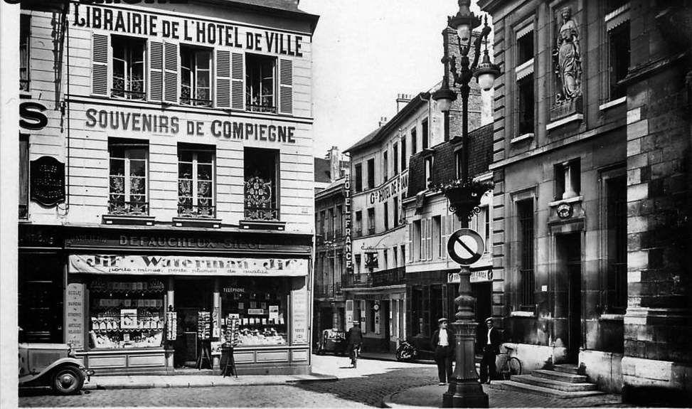 Album - la ville de Compiègne (Oise), les commerçants commençant par la lettre C jusqu'a E
