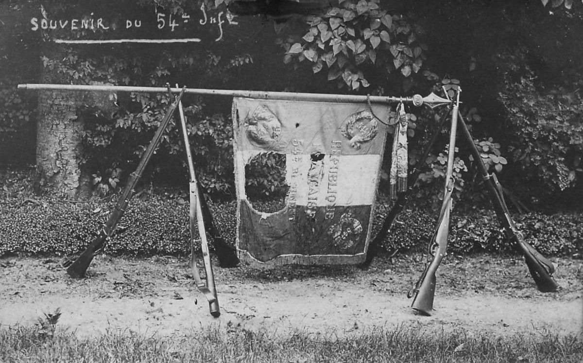Album - la ville de Compiègne (Oise), les casernes, différents groupes de soldats