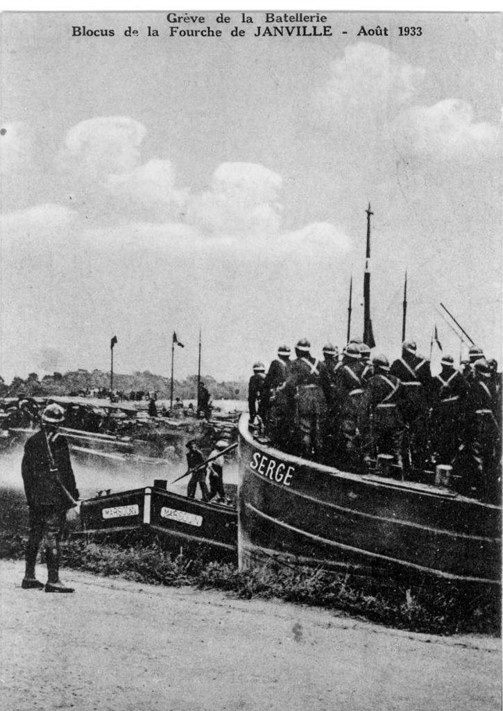 Album - le village de Longueil-Annel (Oise) la gréve de la batellerie en 1933 et 1934