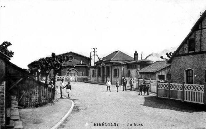 Album - le village de Ribécourt (Oise), la gare