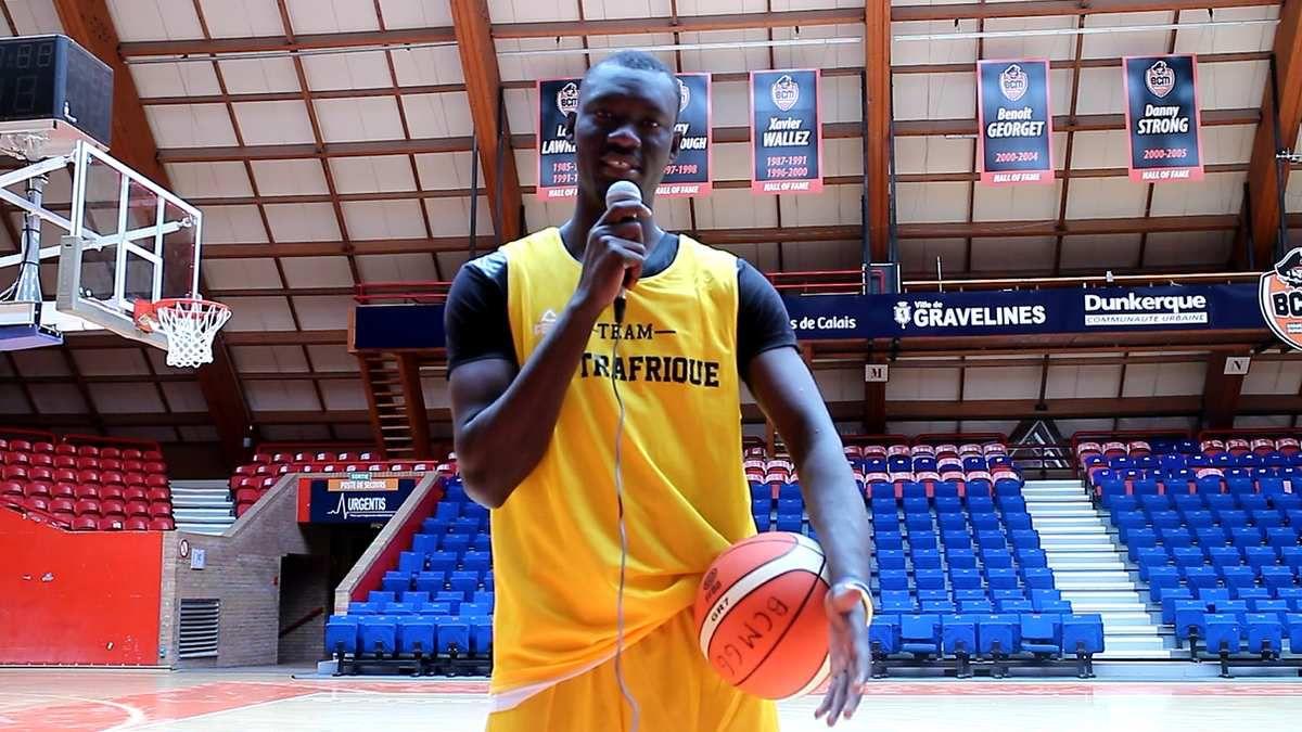 Cet article a été rédigé par Cyrille Ngario de News Basket Beafrika depuis le Sportica de Gravelines grâce au partenariat avec la Coopération française à travers l'Association Mamboko Na Mamboko.