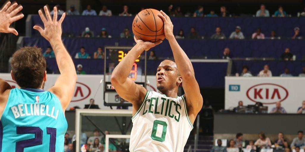 Les Celtics dominent les Hornets