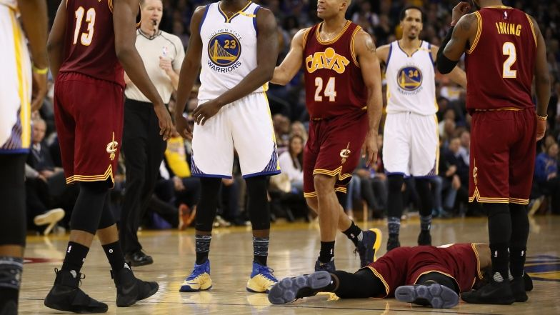 Pour les Warriors, LeBron James a fait de flopping