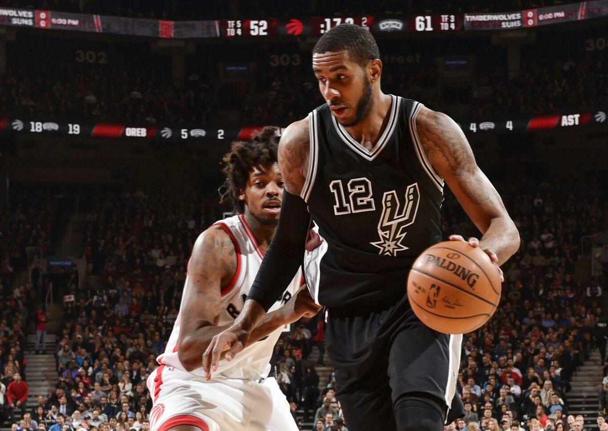 Le banc des Spurs s'occupe de Toronto