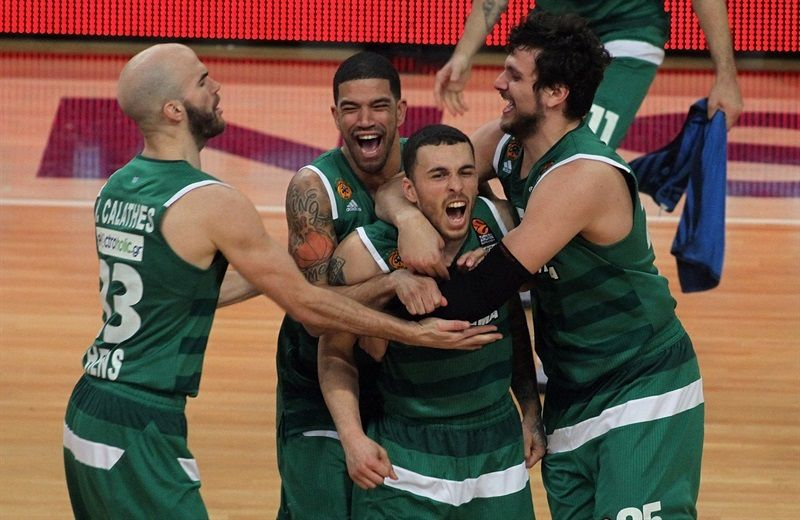 Mike James délivre le Panathinaikos au son de la sirène