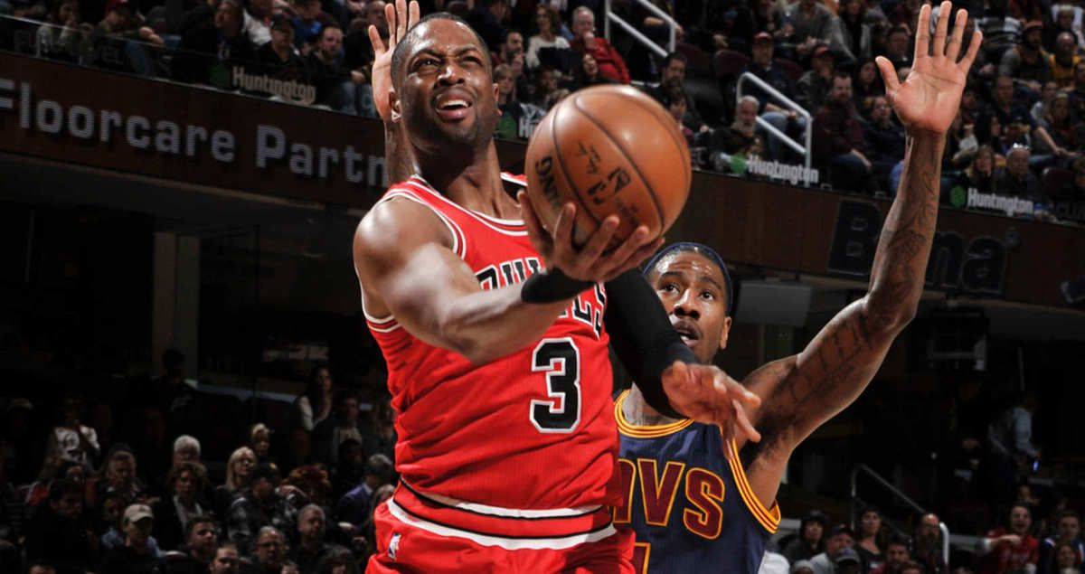 Dwayne Wade on fire et Jimmy Butler en triple-double font tomber Cleveland privé de LeBron James