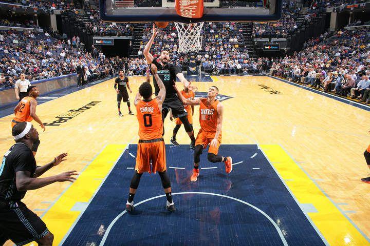 Mike Conley, Marc Gasol et Zach Randolph n'ont laissé aucune chance aux Suns