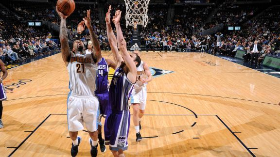 Sans Nikola Jokic, Denver domine les Kings