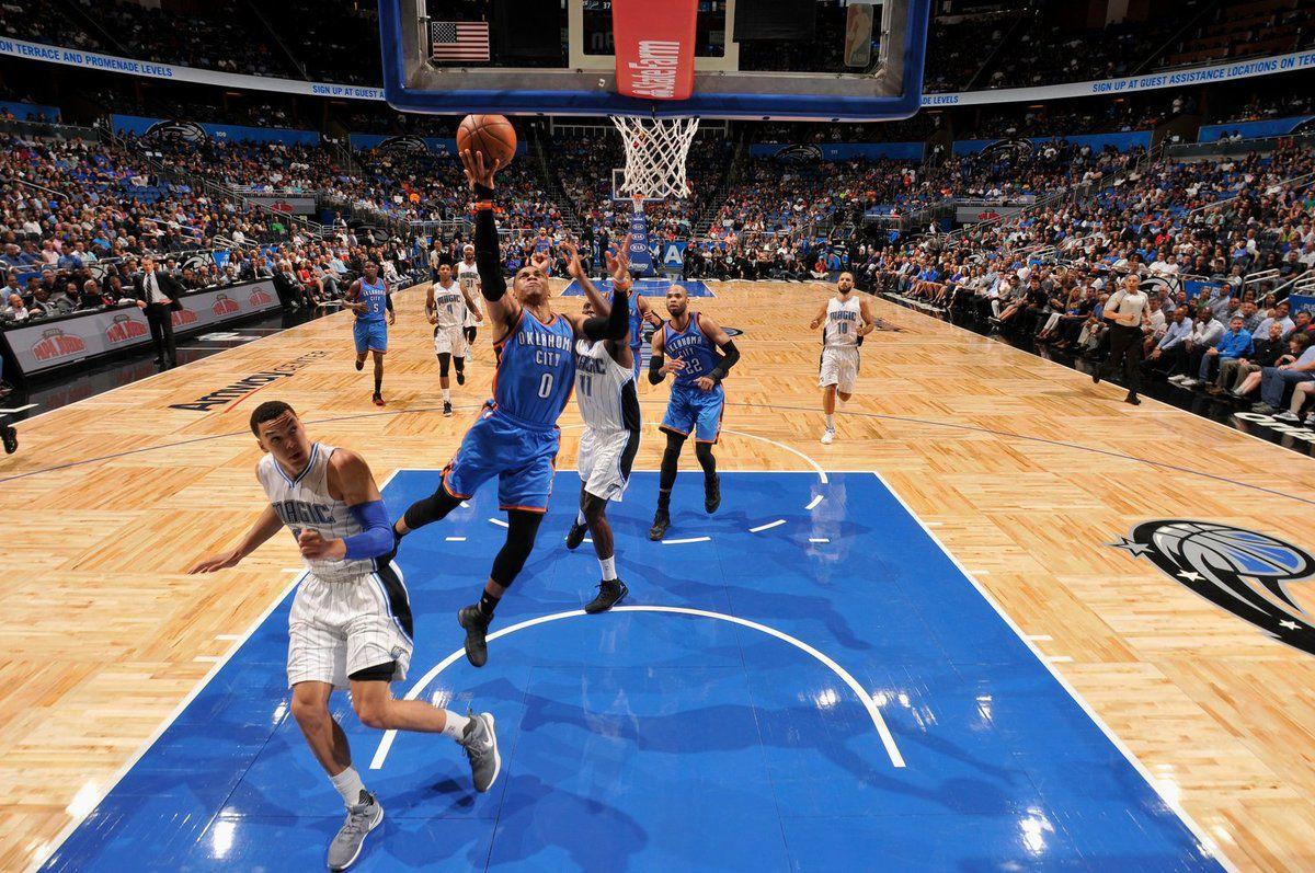 Russell Westbrook signe un énorme triple-double au terme d'un comeback historique de Thunder à Orlando