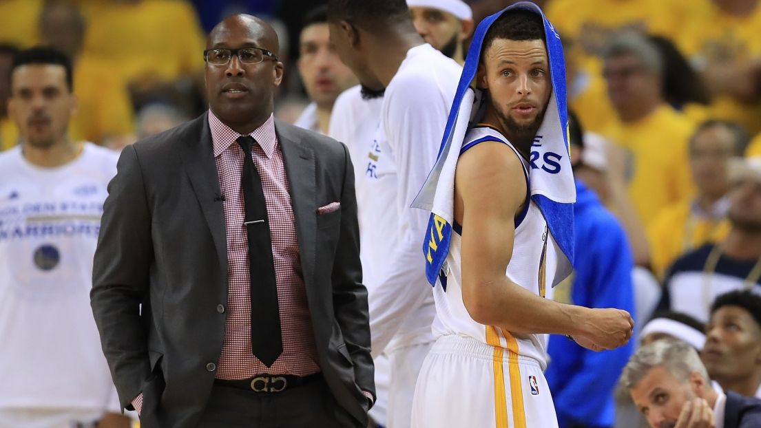 Mike Brown et Stephen Curry (Source d'image:Getty)
