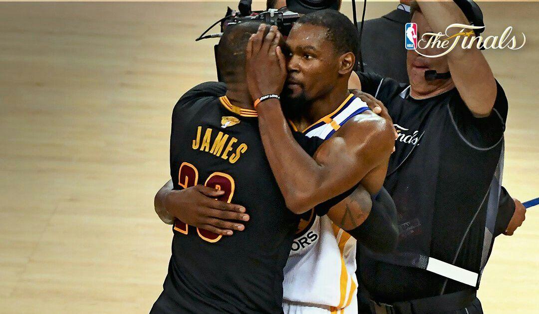 James Worthy pense que Kevin Durant a surpassé LeBron James cette année