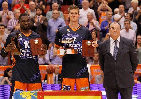 Romain Sato va rempiler pour une 5e année consécutive avec Valencia Basket, une 18e saison en carrière