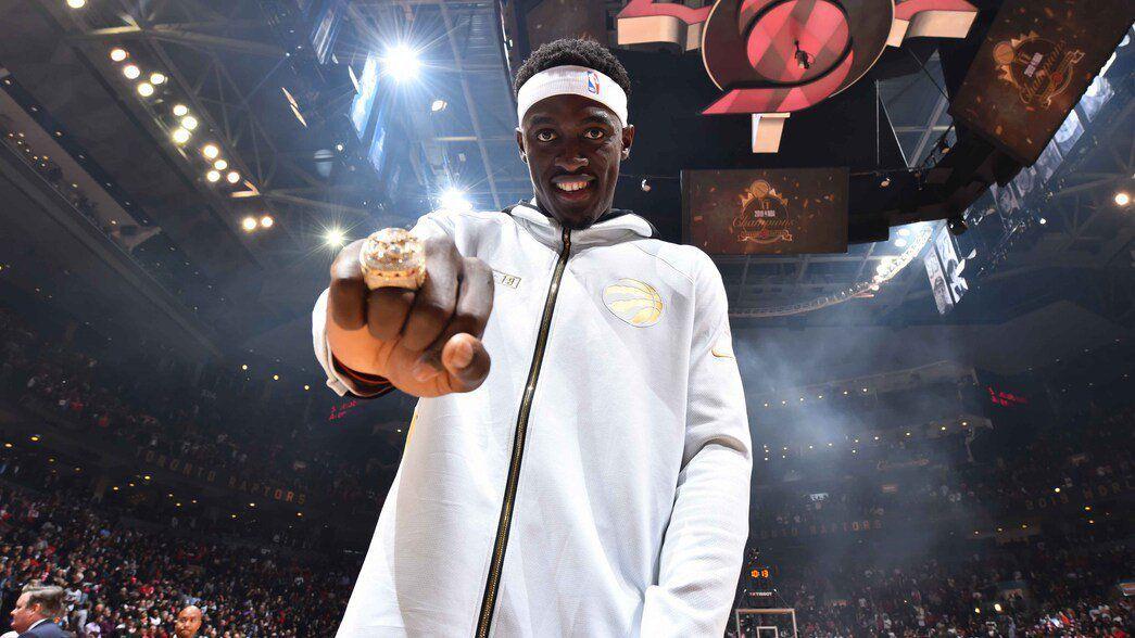 Pascal Siakam et les Raptors ont reçu leur bague de champion NBA 2019 juste avant le match face aux Pelicans de la Nouvelle-Orléans