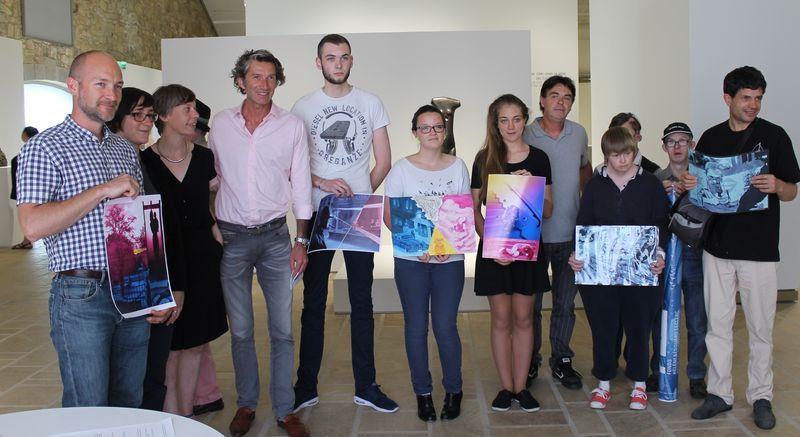 Les gagnants présentent leurs réalisations à la presse. © FHEL