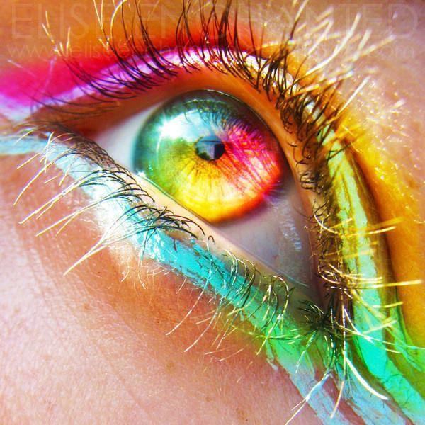 Je vais essayer de les remplir de couleurs de nouveau, pour pouvoir continuer à partager avec vous, les couleurs de nos mots....