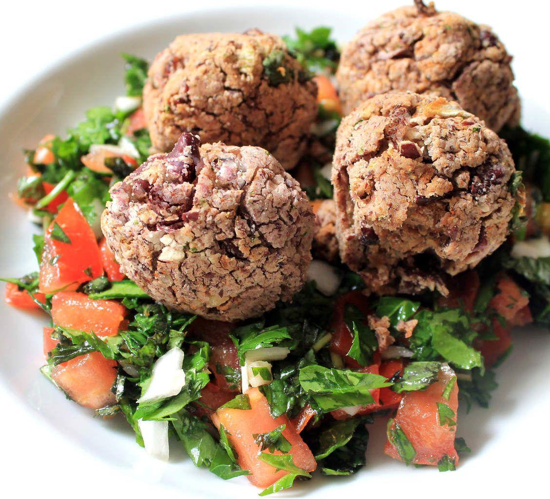 Falafels de haricots rouges et taboulé libanais