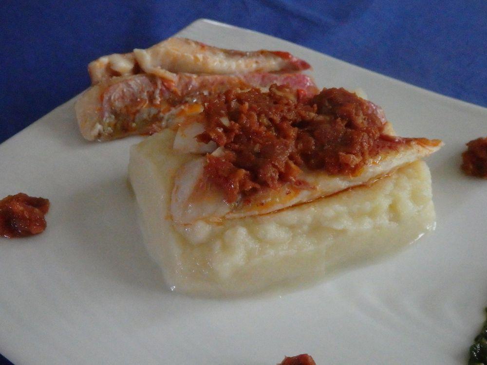 Filets de rougets rôtis, mousseline automnale et duo de pistou