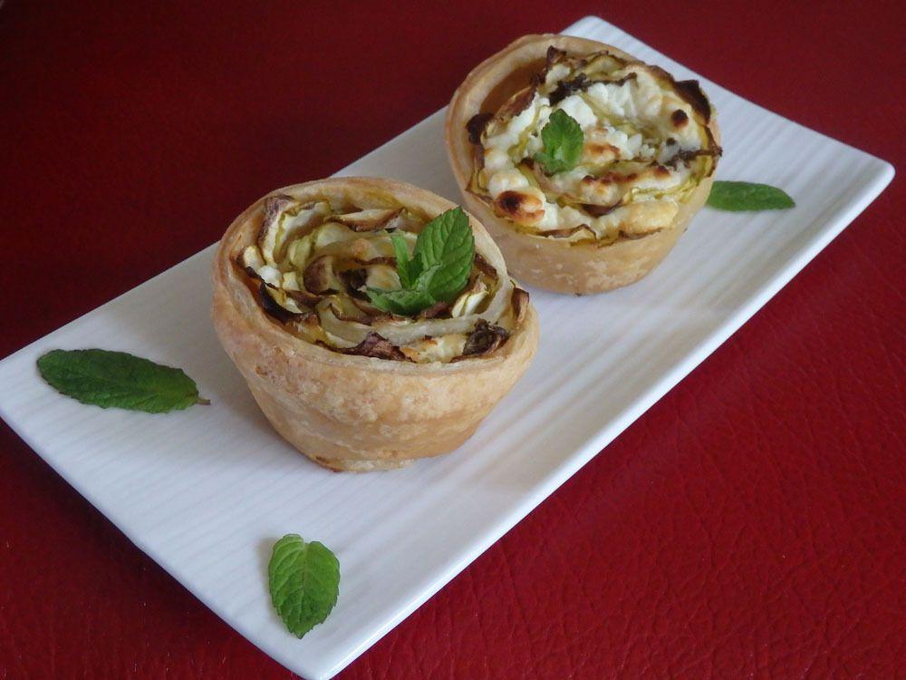 Mini-tartelettes aux roses de courgettes et à la féta
