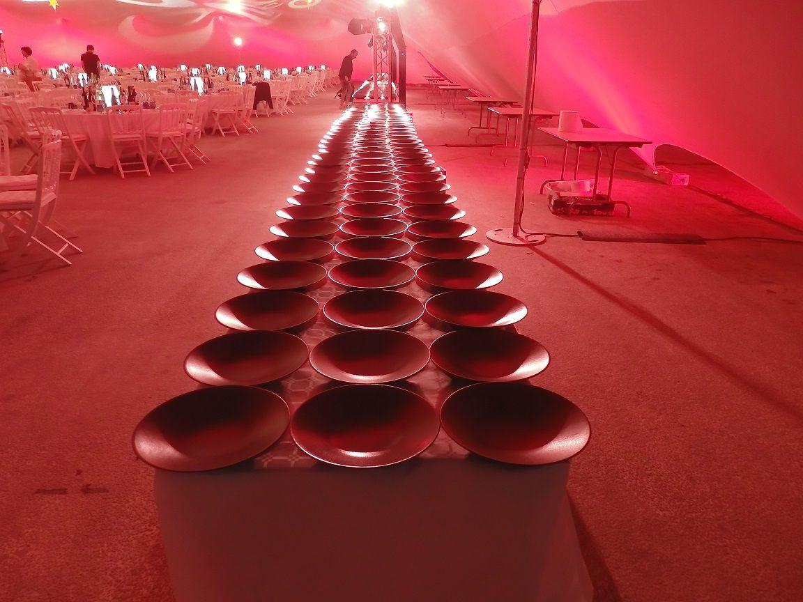 L'ambiance de la salle et les tables