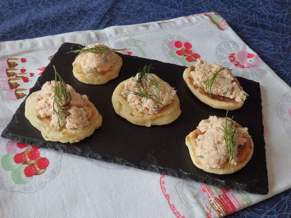 Version salée avec des rillettes de sardine et version bouchée apéritive avec des rillettes de saumon