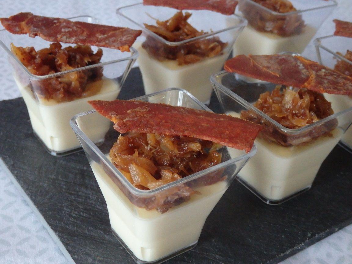 Verrine de crème de reblochon, oignons caramélisés et chips de jambon de Pays