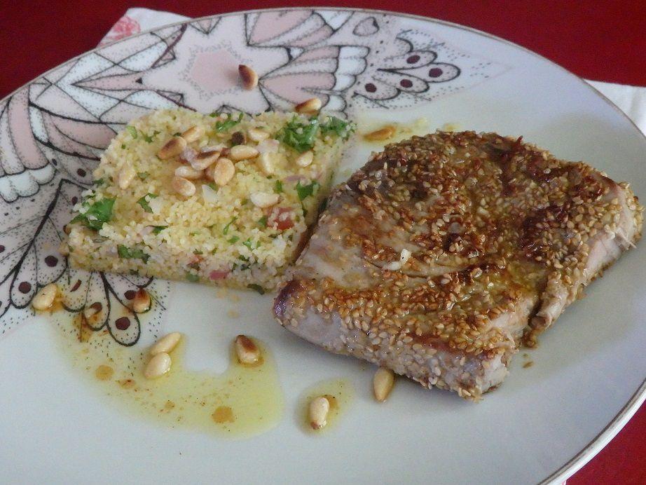 Steak de thon mi-cuit soja, sésame et taboulé à ma façon