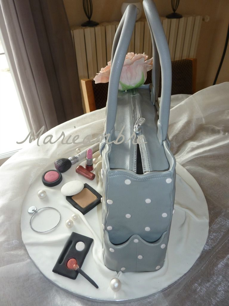 Gâteau sac à main et maquillage - purse cake and makeup