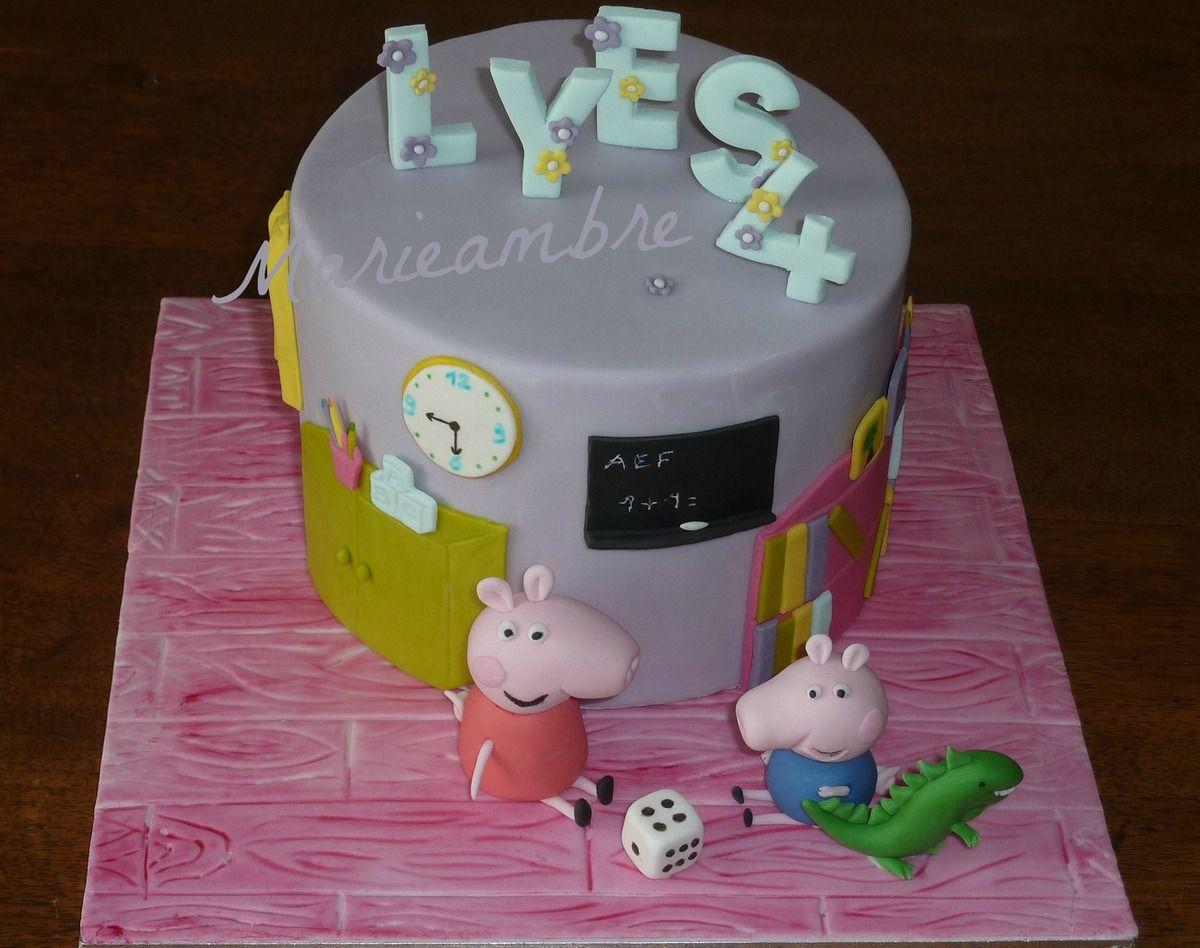 Ce gâteau était un peu particulier puisqu'il était pour les 4 ans de l'adorable petit Lyès. Il adore les chiffres, les lettres et Peppa pig. J'ai choisi Peppa à la halte garderie. C'est un gâteau tout chocolat.