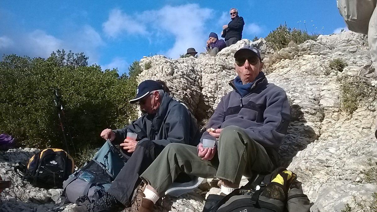 Des Baumettes, col de Sugiton, falaise des toits