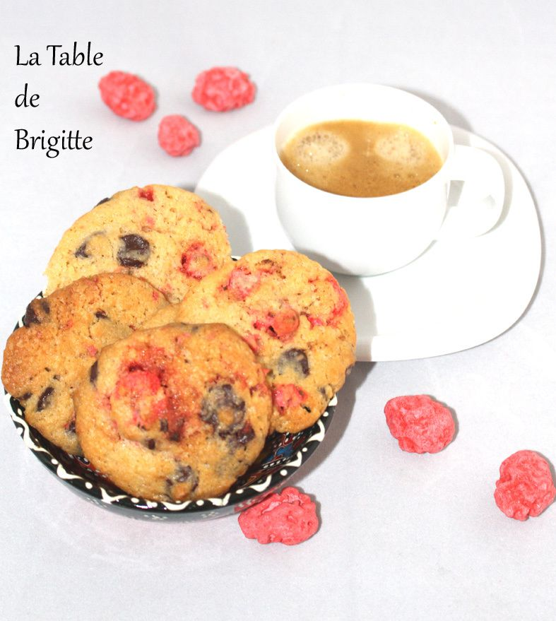 Cookies aux pralines roses et aux pépites de chocolat