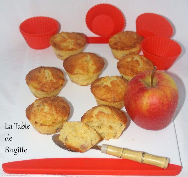 Petits gâteaux moelleux aux pommes caramélisées et aux noisettes